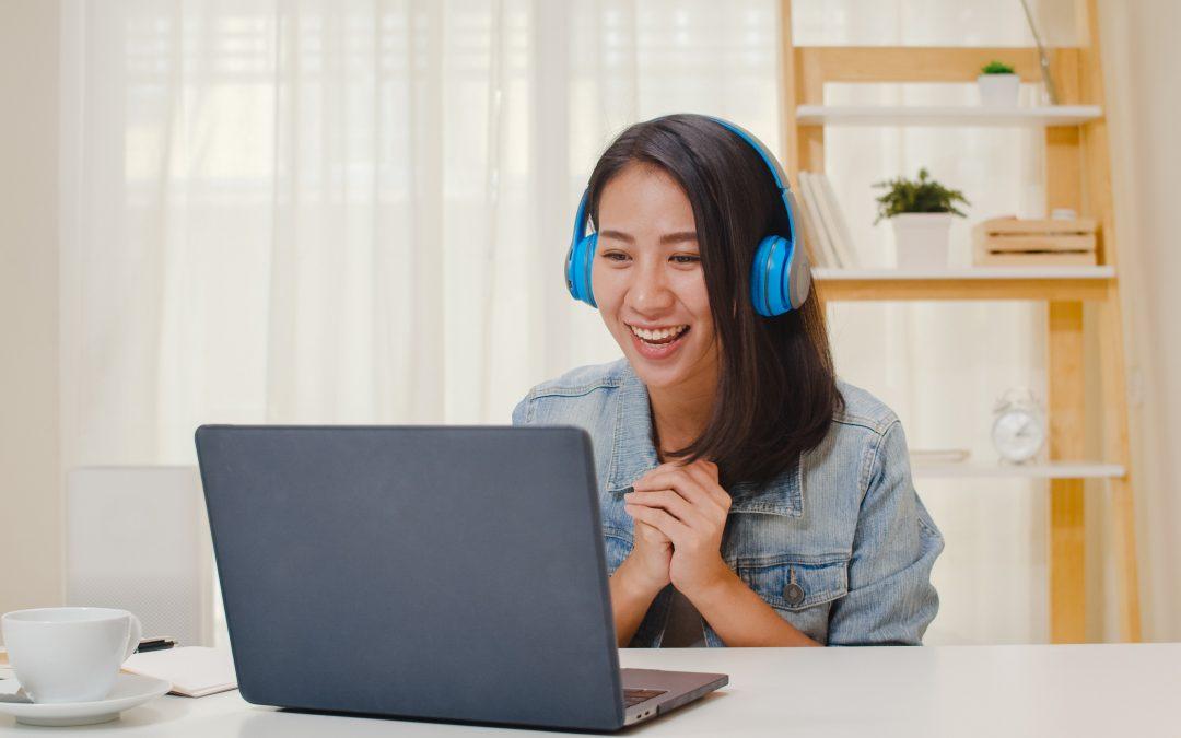 Belajar Bahasa : Membaca atau Mendengarkan?